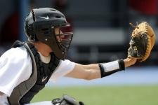 baseball-catcher-giving-target