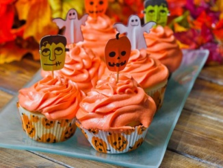 These vanilla cupcakes combined with delicious cinnamon icing are a festive treat. The cupcakes were easy to bake as well as palatable for any taste. Halloween Vanilla Cupcakes. Courtesy jocooks.com.