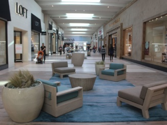 Mall-goers recreationally shop at the Manhattan Beach Village Mall during the winter before construction has started. City Council had approved plans in order to increase interior mall space and an exterior plaza area with more shopping and dining possibilities for residents.