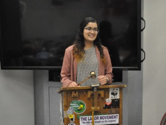 Senior Tooba Wasi speaks to her Model United Nations class. Wasi spent four years in the Model United Nations program at Mira Costa and started the UNICEF Club on campus.