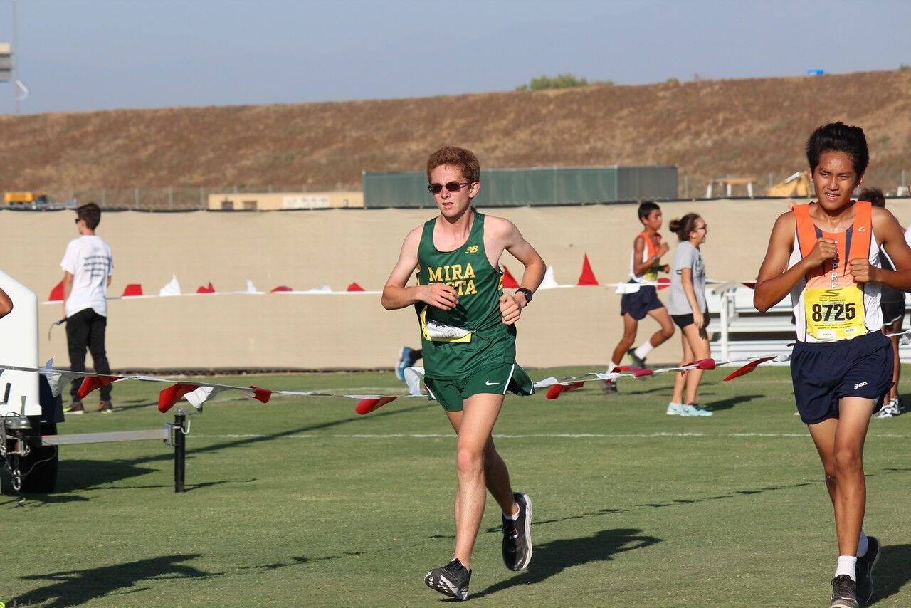 Cross Country competes in Woodbridge Invitational La Vista