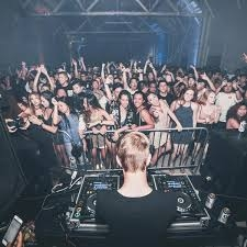 Eighteen year old Chicago D.J. Ethan Snoreck, better known by his stage name Whethan, amazed the crowd with his exciting visuals, upbeat set list and his powerful energy.