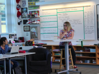 Mira Costa English and Philosophy teacher Stacy Cabrera lectures to AP seminar juniors. AP Seminar is the first course of the two year AP Capstone class, which includes AP Seminar followed by AP Research.  Photo courtesy of Sarah Toomey.